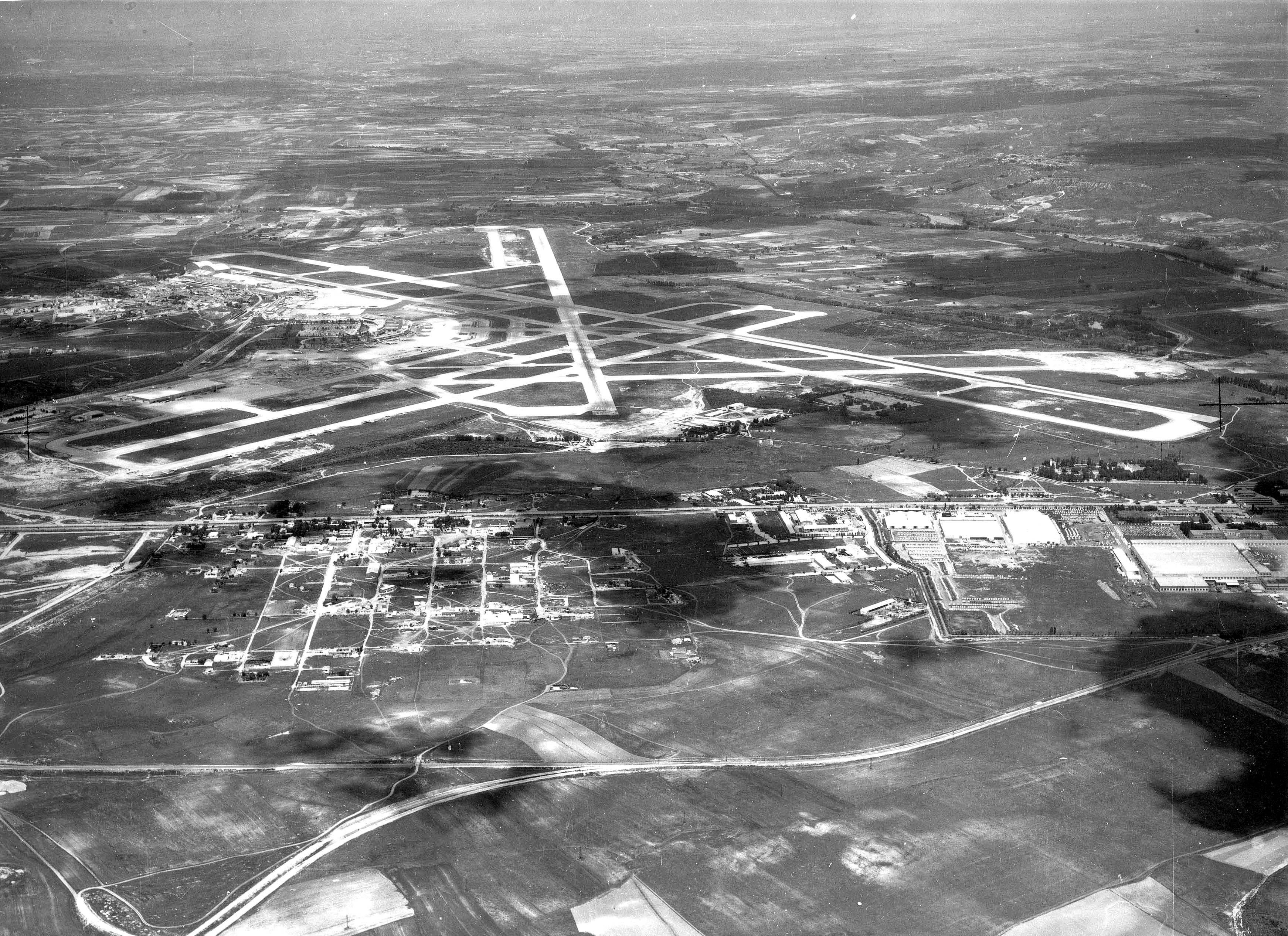 Foto de la vista aérea del Aeropuerto de Madrid-Barajas 1959