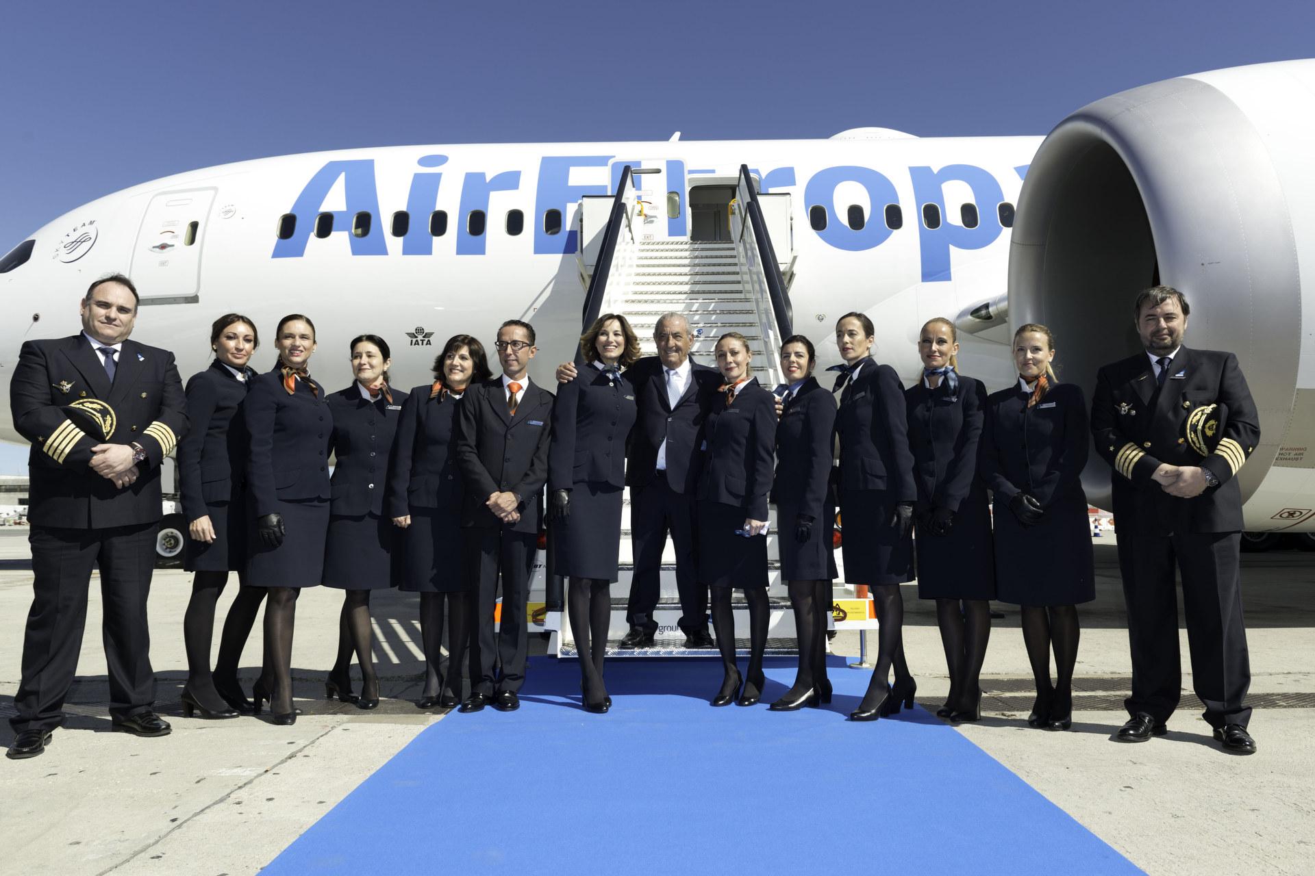Llegada del primer Boeing 787 Dreamliner