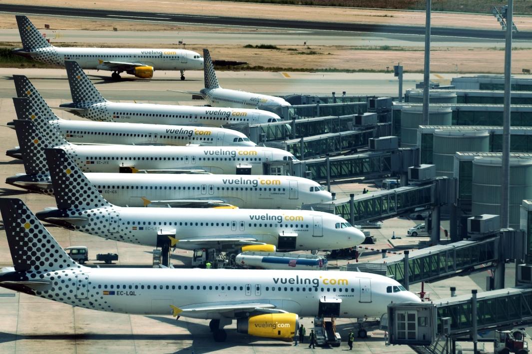 Aviones de la compañia en la terminal